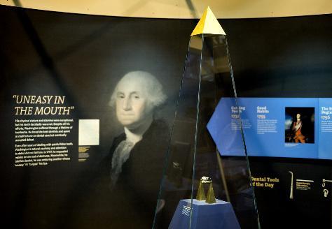 Exposition des prothèses de George Washington