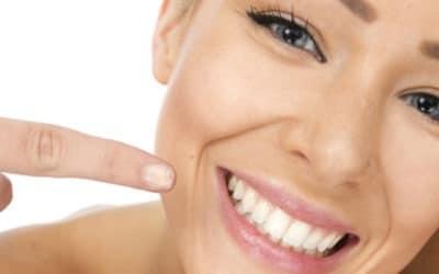 Blanchir ses dents: les différentes façons