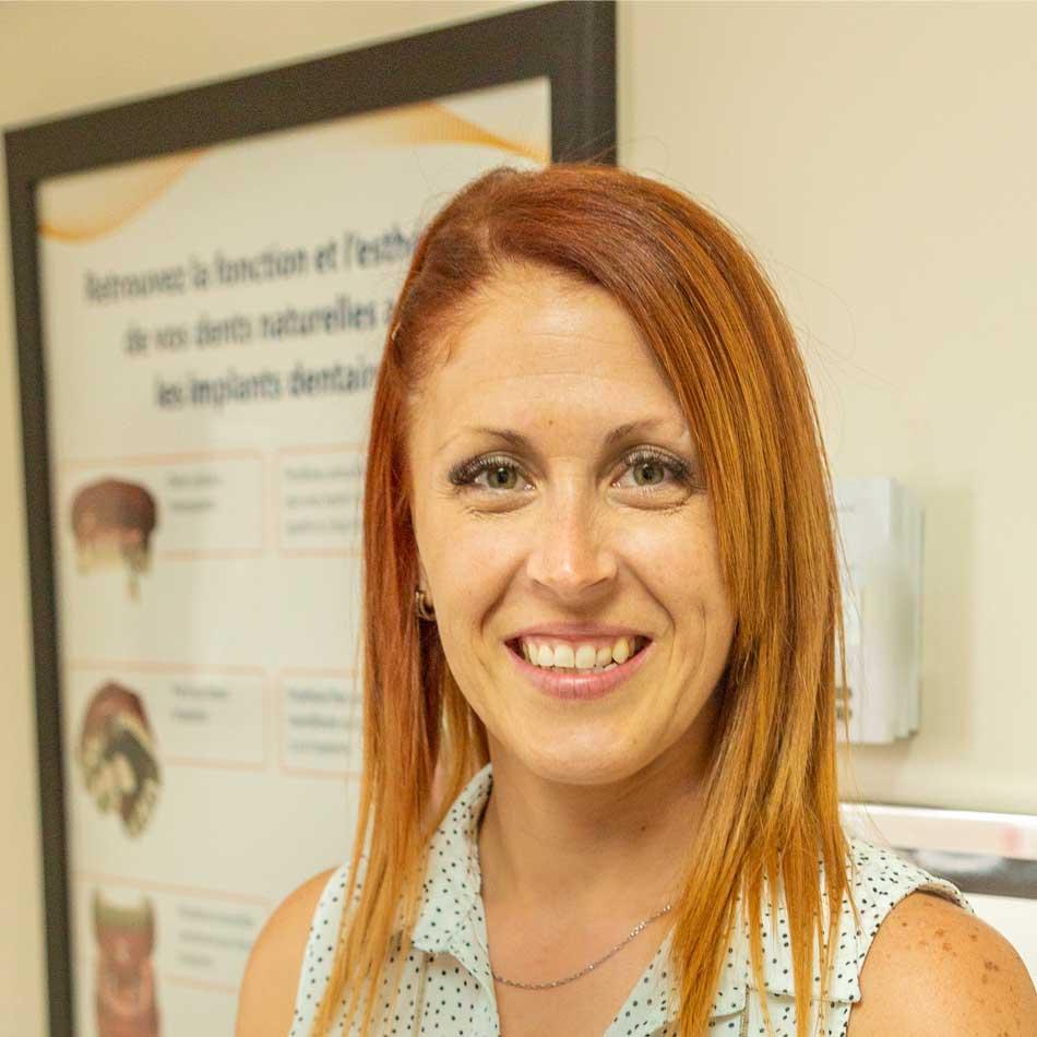 Denturologiste Julie Otis